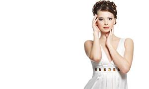 白皙皮肤美女发型高清摄影图片