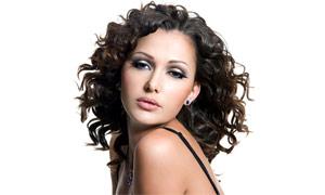 外国美女卷发造型高清摄影图片