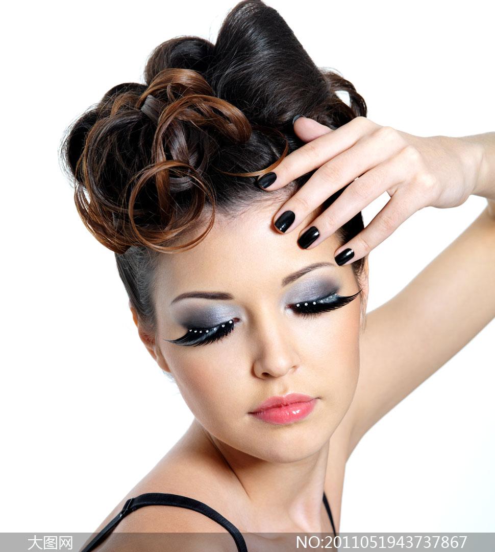 美女盘发造型设计展示高清摄影图片