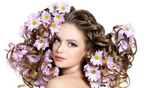 女人花与卷发展示高清摄影图片