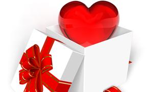打开的盒子与红心高清摄影图片