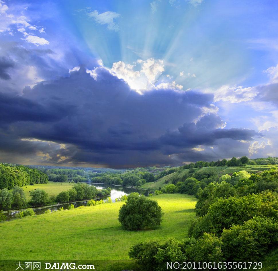 摄影图片大图高清素材树木大树山景山坡大自然风光风景蓝天天空白云
