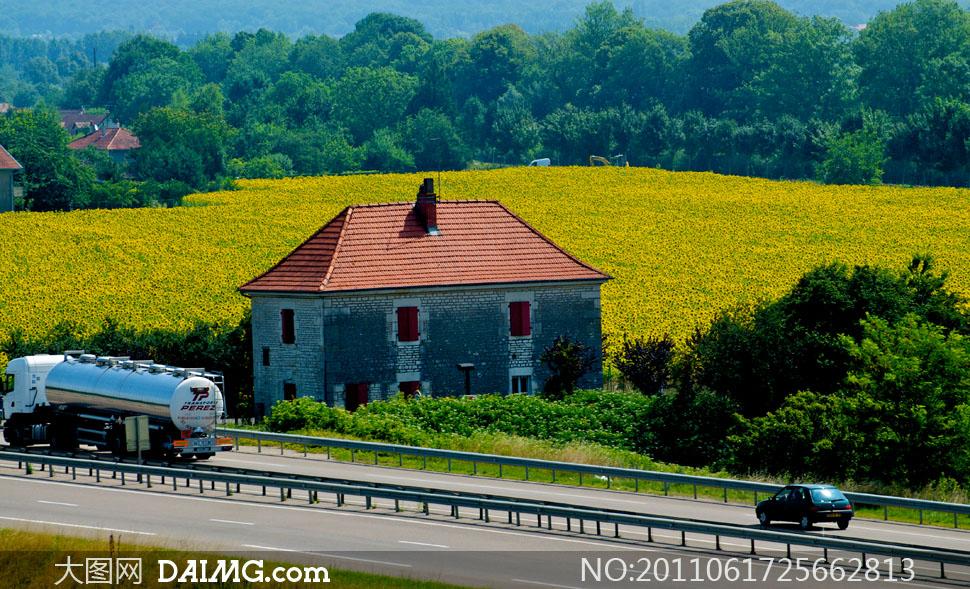 媳和老爸癹n��olzg>i*�i_高速公路边的自然风景高清摄影图片