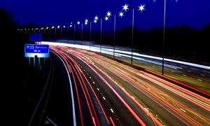 高速公路夜景高清创意摄影图片