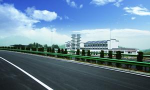 蓝天白云高速公路高清摄影图片