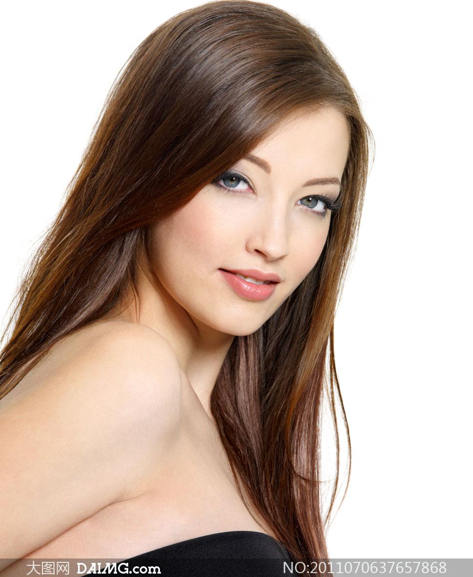 美女剪下两米长发_甜美笑容长发美女人物高清摄影图片