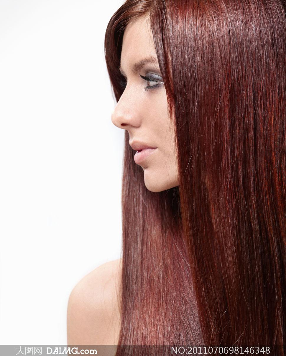 美女发型头发长发女人女性国外外国美发秀发造型侧面