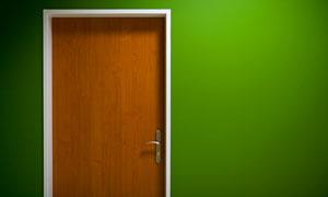 绿色墙壁木门高清摄影图片