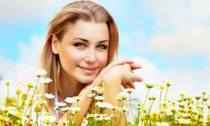 花丛中的美女人物高清摄影图片