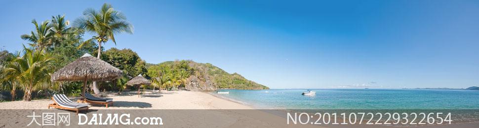 蓝天下大海沙滩全景摄影高清图片