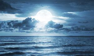海上日出高清摄影图片