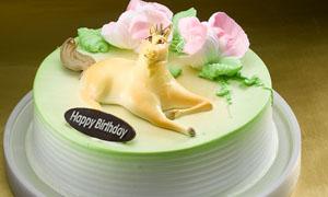 纯奶油生日蛋糕摄影图片