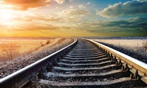 晚霞下的铁路高清摄影图片