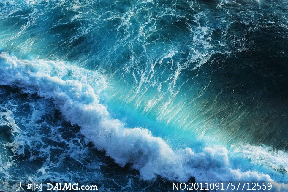 海边浪花自然景观高清摄影图片