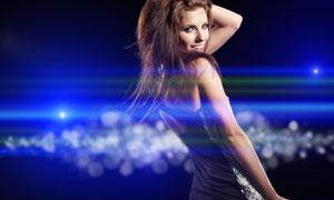 蓝色绚丽灯光与长发美女人物高清摄影图片
