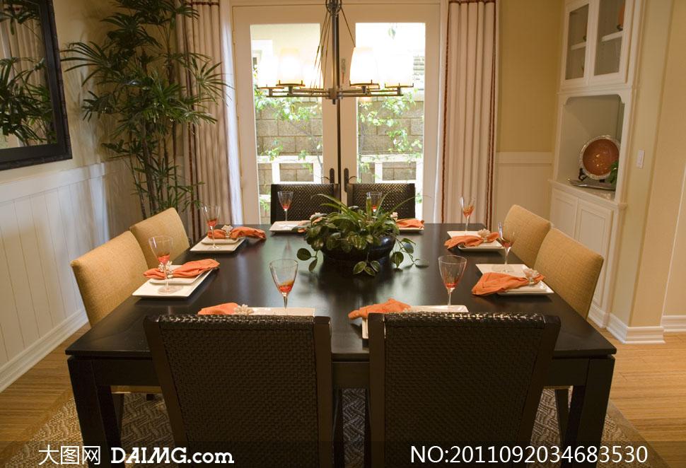 餐厅如何摆放_餐厅酒柜位置如何摆放酒柜位置餐厅酒柜餐