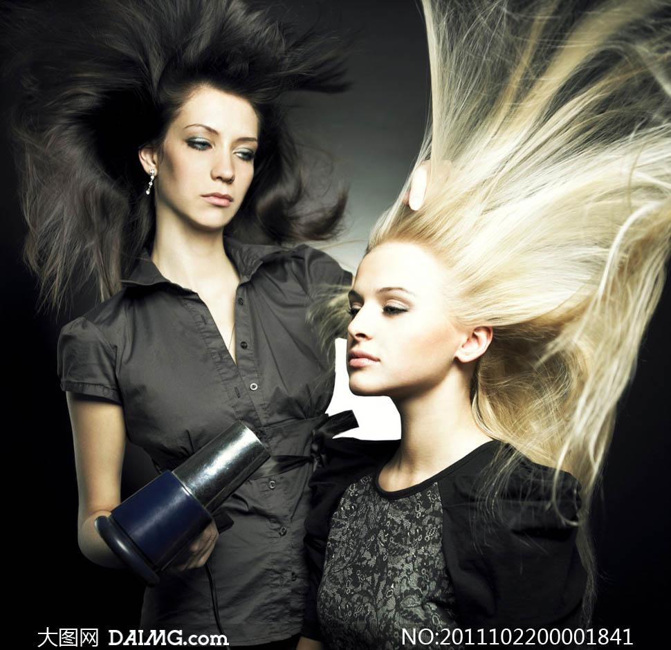 理发店长发吹干拉直职业人物时尚美女女性女人人物图