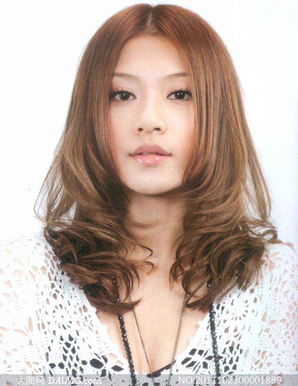 可爱美女s卷发型摄影图片