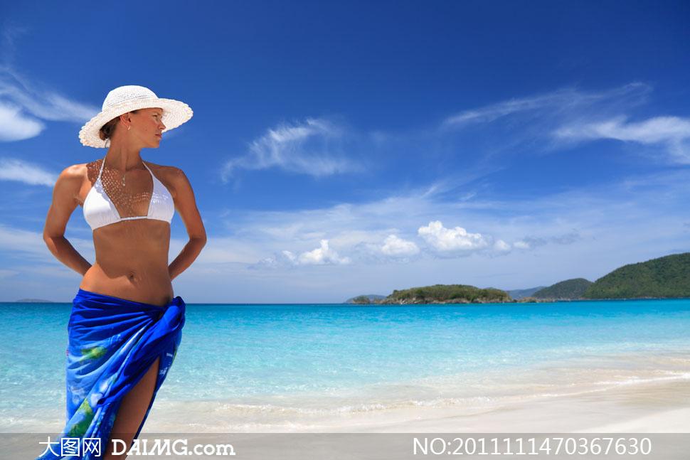 海滩上比基尼美女人物高清摄影图片