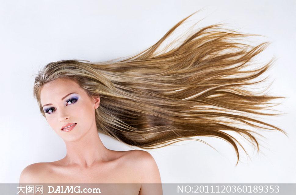 飘逸长发的美女人物高清摄影图片