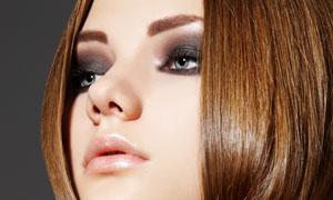 柔顺秀发烟熏妆美女人物高清摄影图片