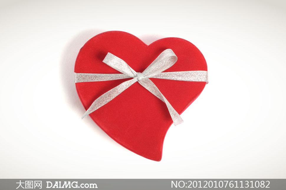 心形礼物盒包装高清摄影图片