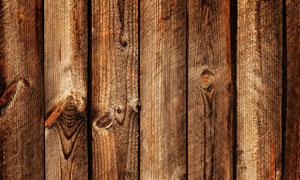 横向排列整齐的木板条