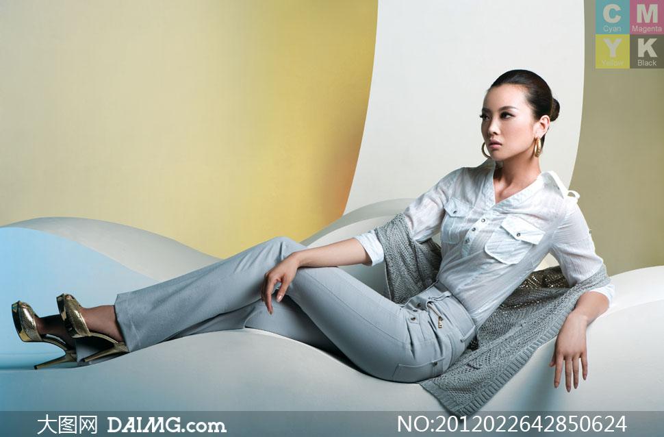 美女下半部图片大图_半躺着的模特美女人物高清摄影图片 - 大图网素材daimg.com