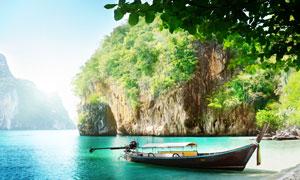 水面上的游船宜人风景高清摄影图片