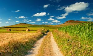 蓝天白云乡村自然风光高清摄影图片