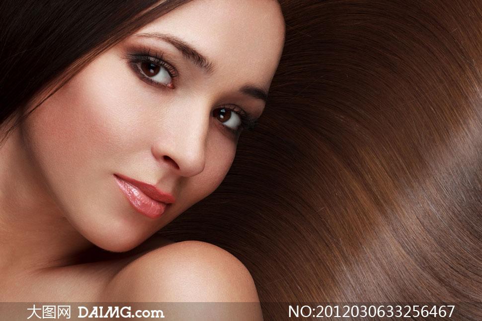 外国露肩长发美女人物高清摄影图片