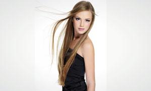 身穿黑色裹胸装的长发美女高清摄影图片