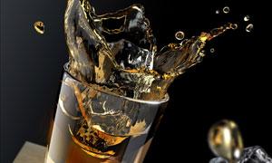 冰块落入酒杯的瞬间场景高清摄影图片