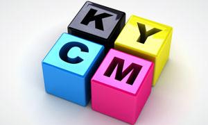 刻有CMYK字母的立方块高清摄影图片