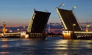 圣彼得堡冬宫大桥夜景高清摄影图片