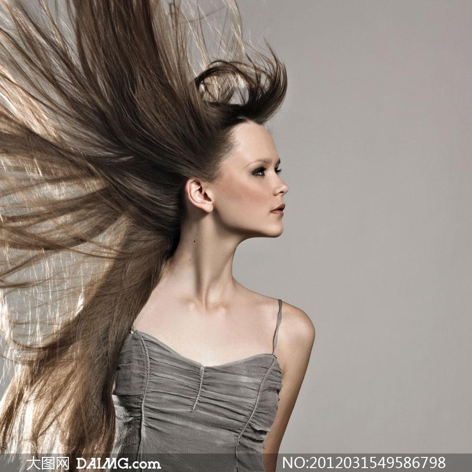 人物美女女人头发发型长发美发飘逸外国国外模特侧面