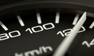 汽车黑色速度仪表盘摄影高清图片