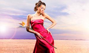 身穿红色长裙的美女模特摄影高清图片