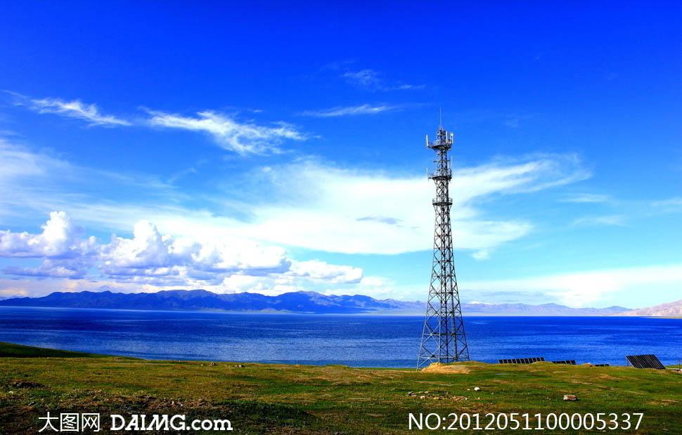 湖边通信基站摄影图片