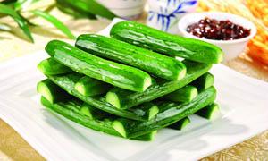 凉拌黄瓜凉菜摄影图片