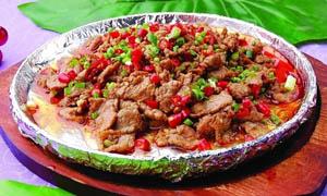 铁板蒙古牛肉美食摄影图片