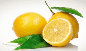 带叶子的新鲜柠檬摄影高清图片