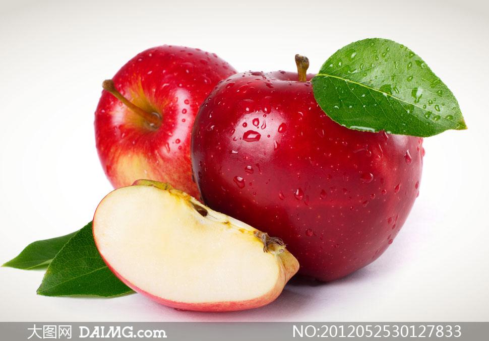 两个红苹果与切块摄影高清图片