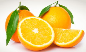 新鲜柠檬与柠檬切块高清摄影图片