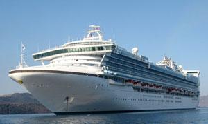 海面上的星辰公主号邮轮高清摄影图片
