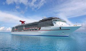蓝天白云海面上的轮船摄影高清图片