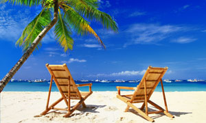 夏天长滩岛休闲躺椅摄影高清图片