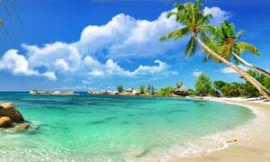蓝天白云与湛蓝海水摄影高清图片