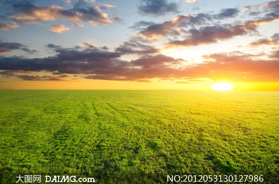 高清摄影图片素材大图自然风景风光天空云层云彩多云辽阔广袤草地
