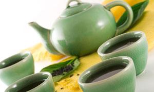 青瓷材质茶壶茶碗茶杯高清摄影图片